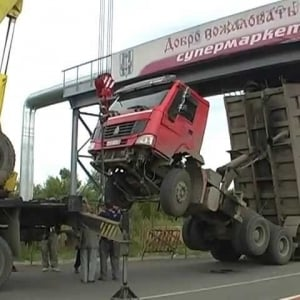Chinese truck, stucked in Russia