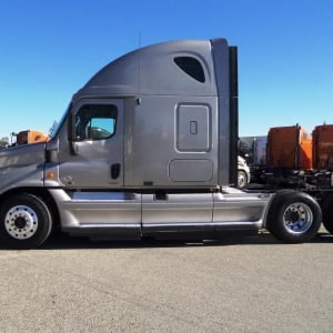 2011 Freightliner Cascadia Side View